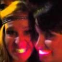 Grandi risate con i denti luminosi