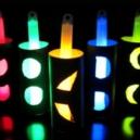 Come creare stelle fluorescenti con braccialetti luminosi